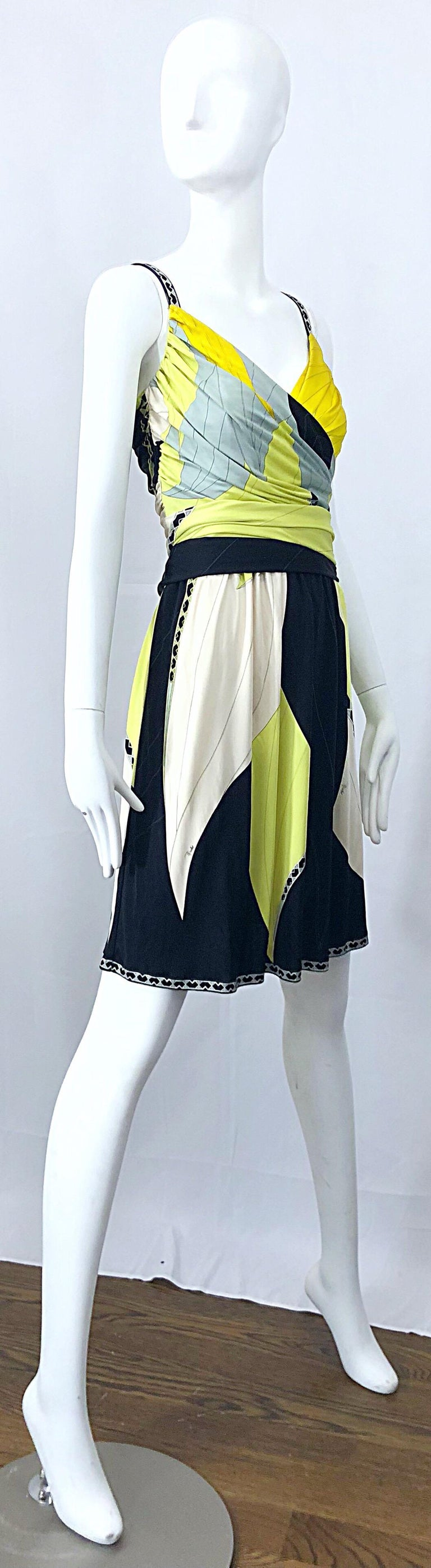 Emilio Pucci 1990s Size 8 Chartreuse Black Ivory Kaleidoscope Silk Jersey Dress For Sale 3