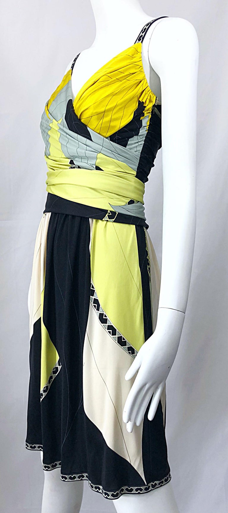 Emilio Pucci 1990s Size 8 Chartreuse Black Ivory Kaleidoscope Silk Jersey Dress For Sale 5