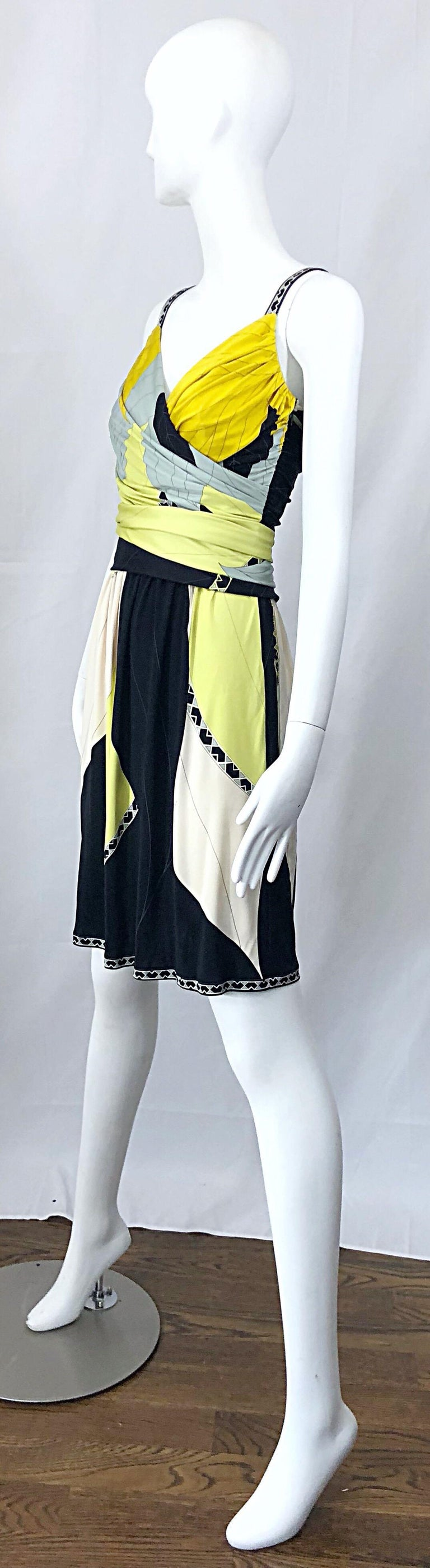 Emilio Pucci 1990s Size 8 Chartreuse Black Ivory Kaleidoscope Silk Jersey Dress For Sale 7