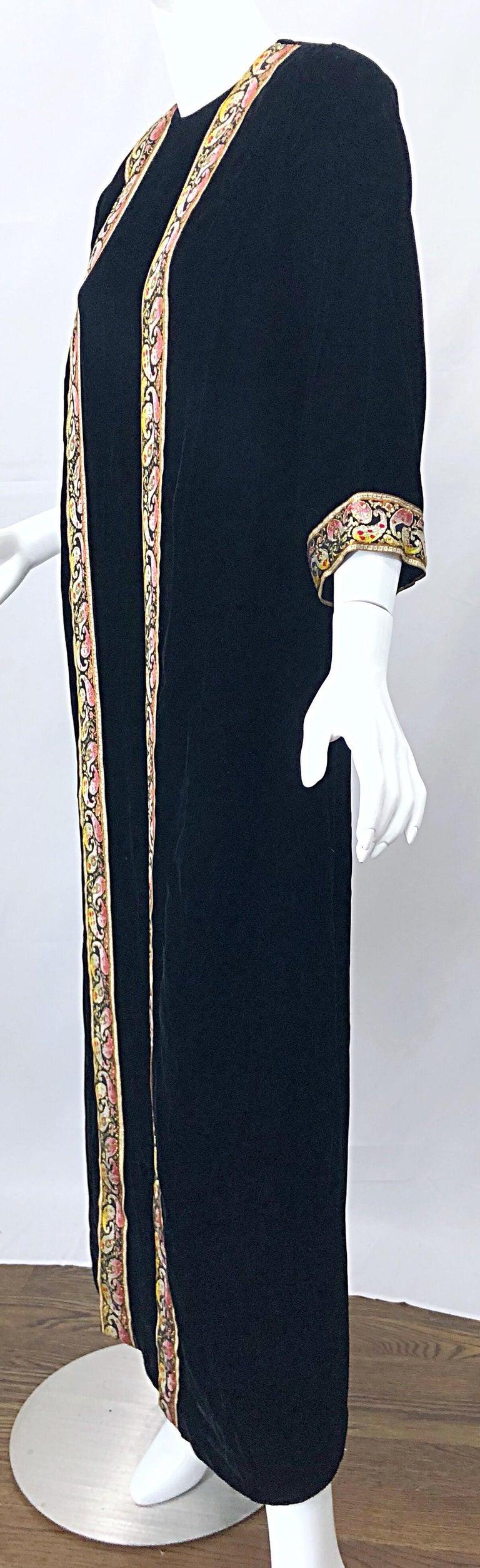 1960s Bonwit Teller Black Velvet Paisley Vintage 60s Moroccan Caftan Maxi Dress For Sale 2