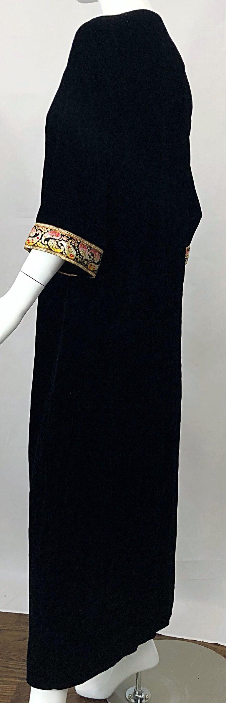 1960s Bonwit Teller Black Velvet Paisley Vintage 60s Moroccan Caftan Maxi Dress For Sale 3