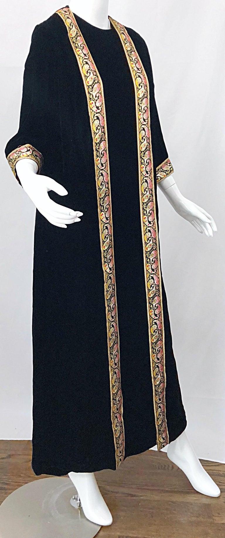1960s Bonwit Teller Black Velvet Paisley Vintage 60s Moroccan Caftan Maxi Dress For Sale 10