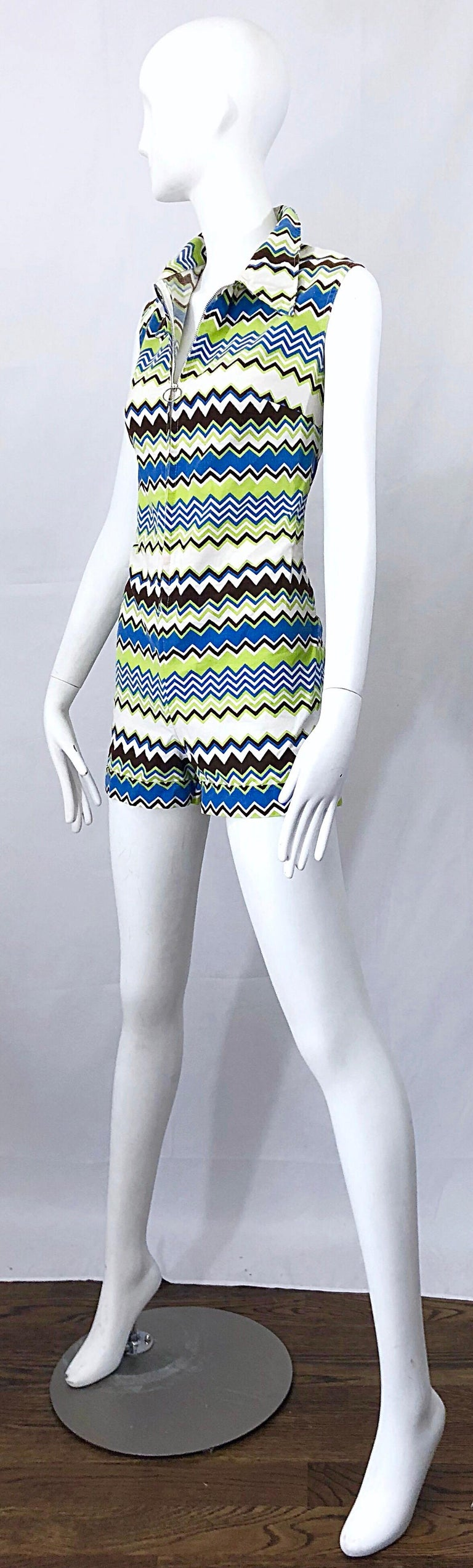 Chic 1970s Missoni Style Zig Zag Sleeveless Vintage 70s Cotton One Piece Romper For Sale 2