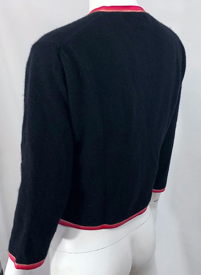 1950s Monhan's Ltd. Black Pink Asian Wool Hong Kong Vintage 50s Cardigan Sweater For Sale 7