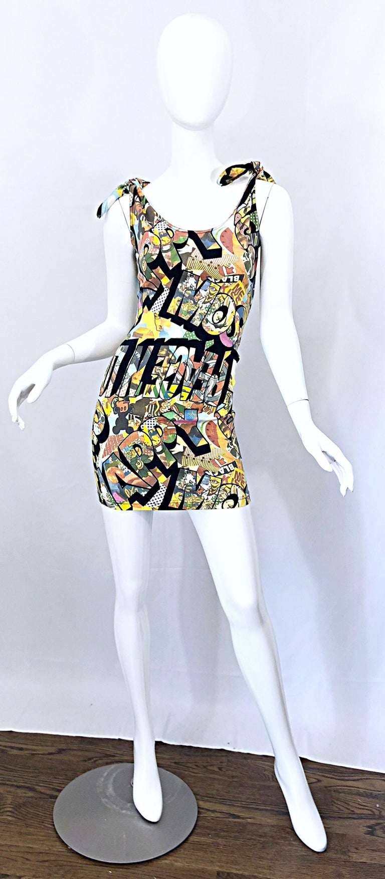 Vintage Moschino 1990s Mickey Mouse Disney Iconic Novelty Print 90s Mini Dress For Sale 8