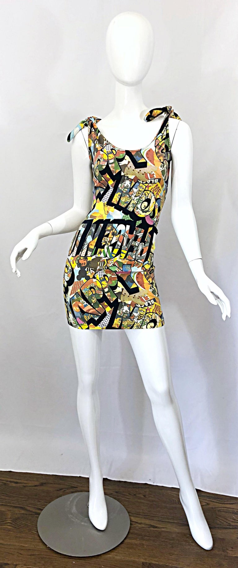 Vintage Moschino 1990s Mickey Mouse Disney Iconic Novelty Print 90s Mini Dress For Sale 9