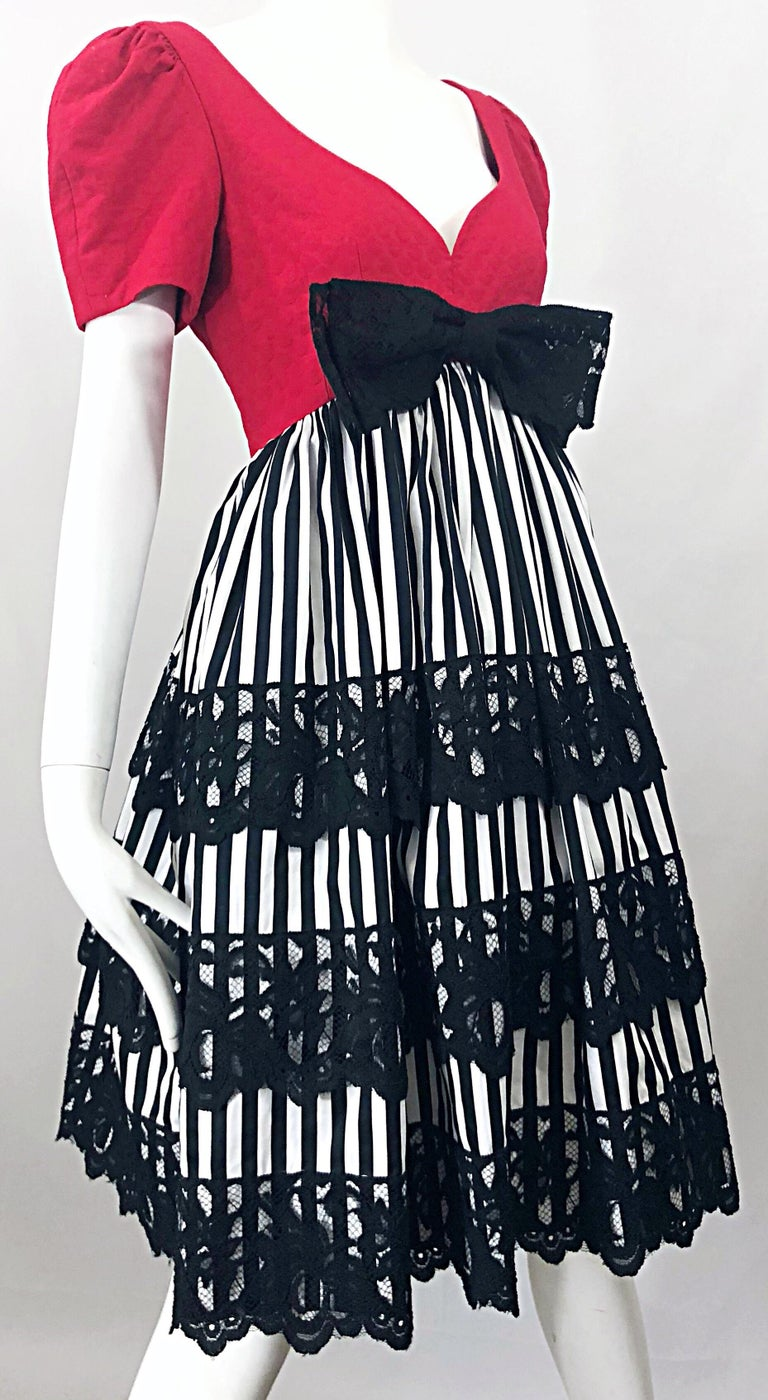 Vintage Adele Simpson Red + Black + White Fit n' Flare Empire Bow Lace Dress For Sale 1