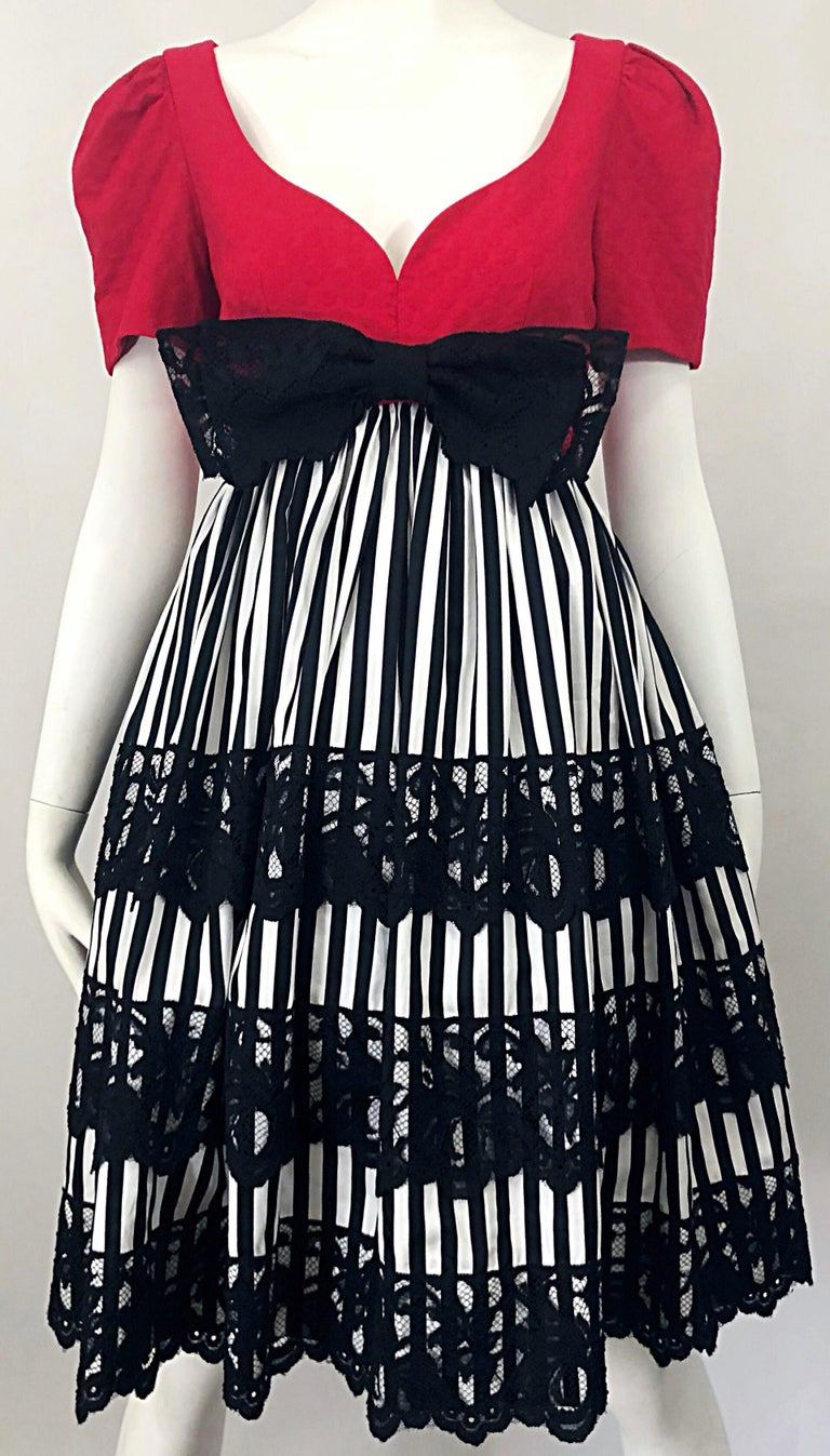 Vintage Adele Simpson Red + Black + White Fit n' Flare Empire Bow Lace Dress For Sale 3
