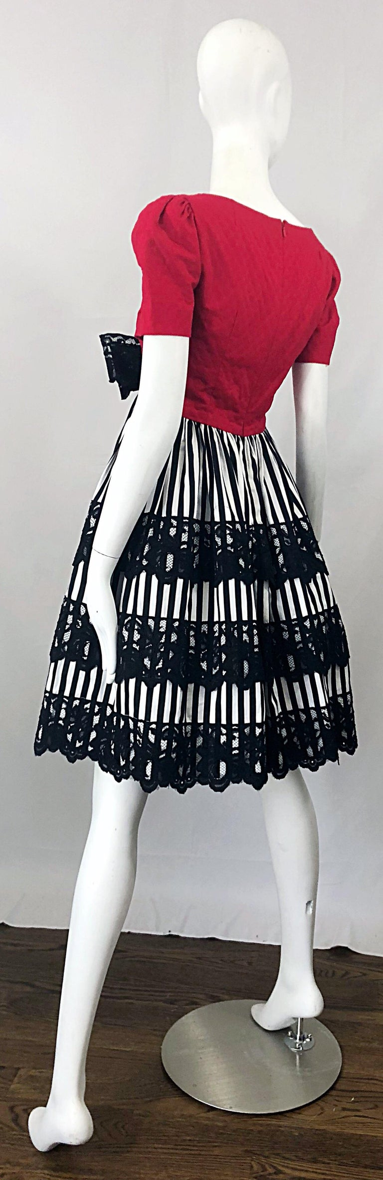 Vintage Adele Simpson Red + Black + White Fit n' Flare Empire Bow Lace Dress For Sale 7
