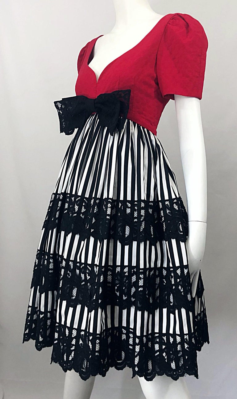 Vintage Adele Simpson Red + Black + White Fit n' Flare Empire Bow Lace Dress For Sale 8