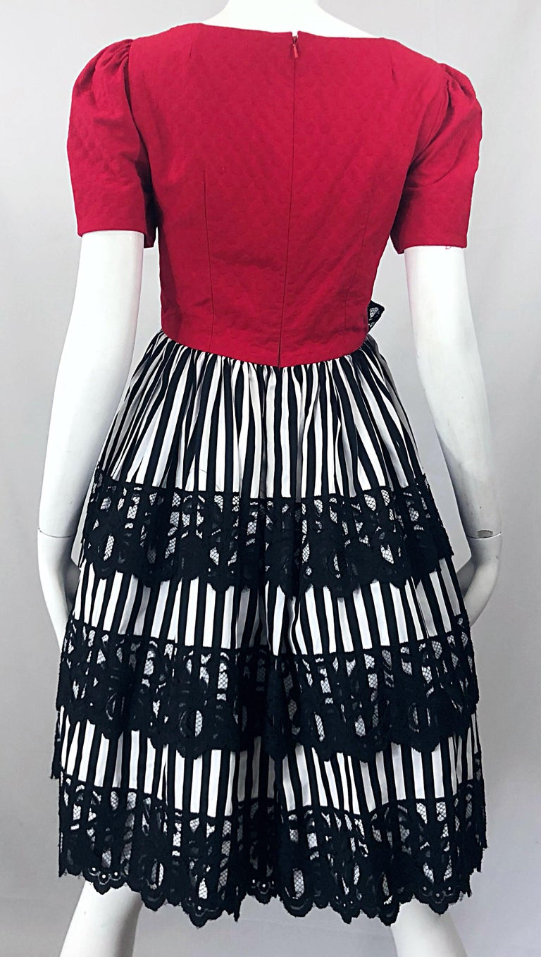 Vintage Adele Simpson Red + Black + White Fit n' Flare Empire Bow Lace Dress For Sale 9