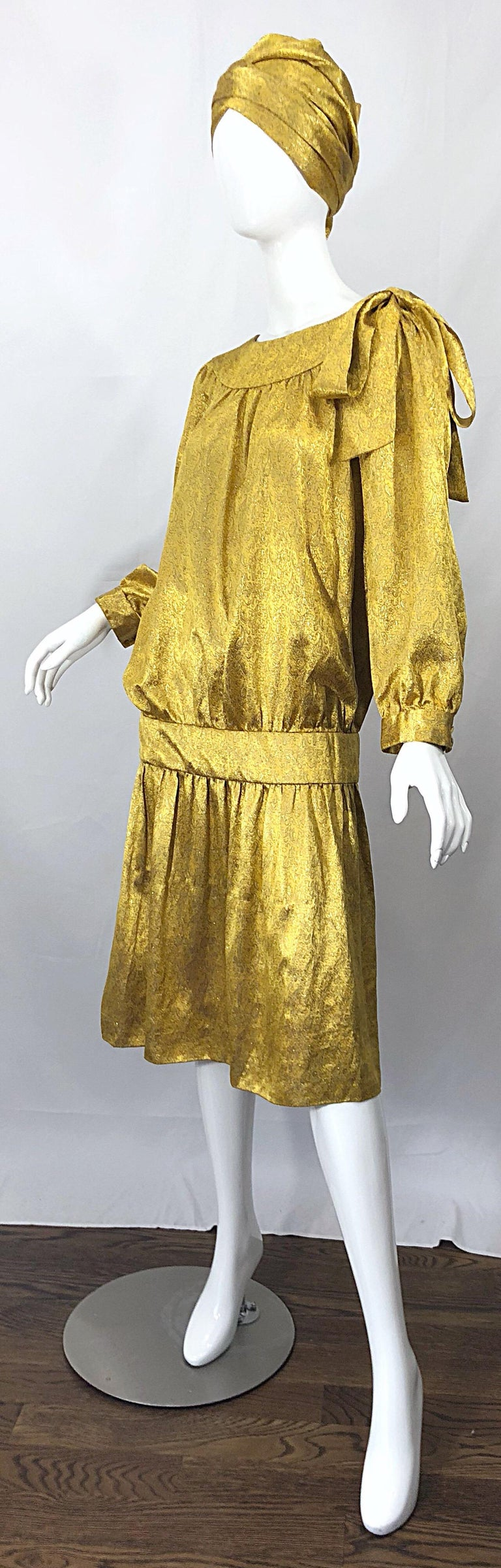 Women's Vintage Brioni Yellow + Gold Silk 1920s Style Drop Waist Dress + Turban Sash For Sale