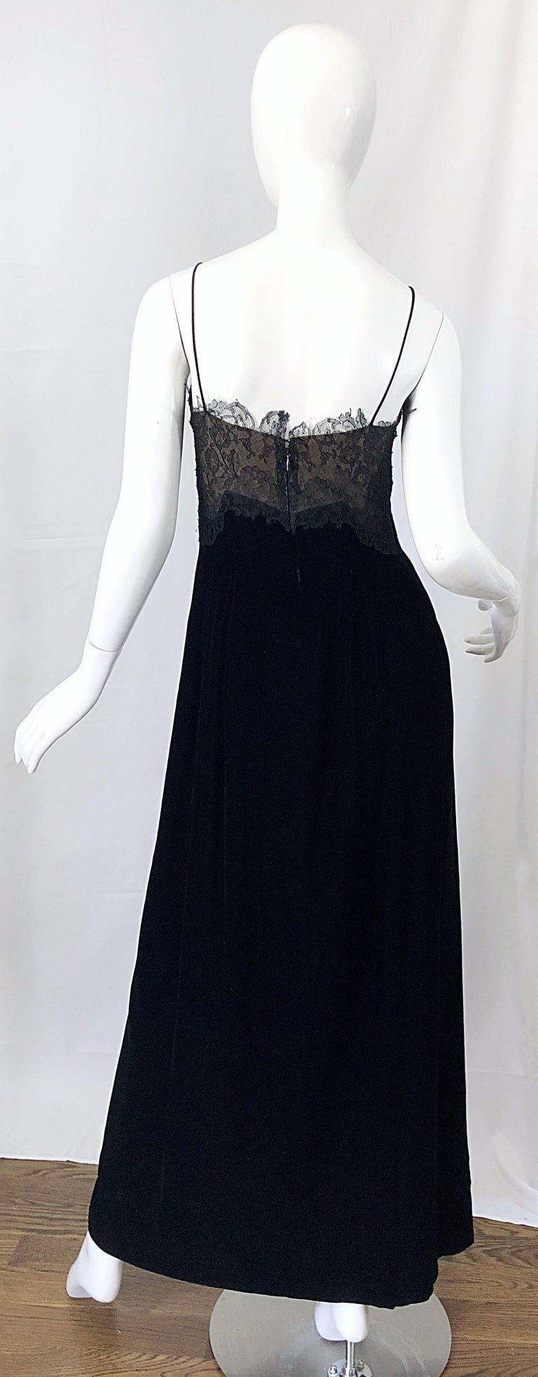 Women's Beautiful Vintage Richilene 1970s Blacks Silk Velvet + Nude Lace Chiffon Gown For Sale