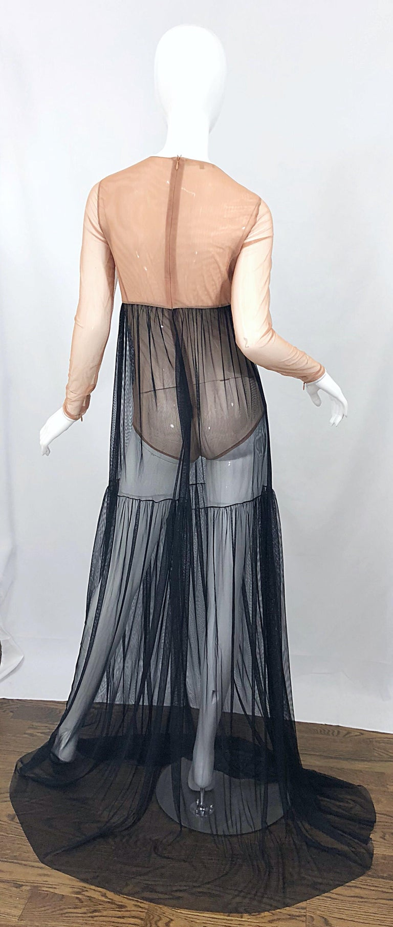 Michael Kors Collection Sz 4 Nude + Black Sheer Runway Mesh Bodysuit Gown Dress In Excellent Condition For Sale In Chicago, IL