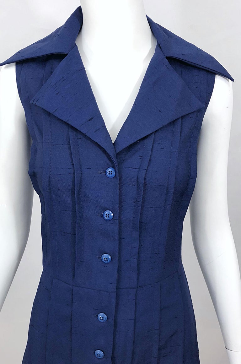 1990s Saks 5th Avenue Size 10 Navy Blue Silk Vintage 90s Sleeveless Shirt Dress In Excellent Condition For Sale In Chicago, IL
