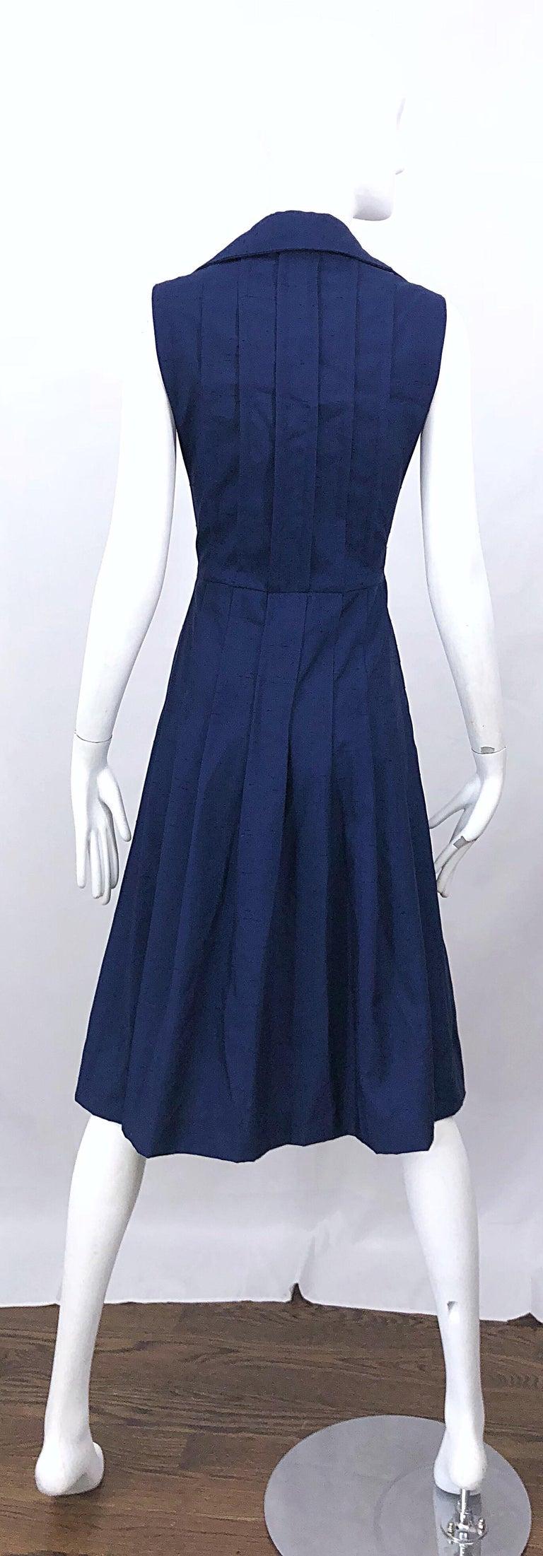 Women's 1990s Saks 5th Avenue Size 10 Navy Blue Silk Vintage 90s Sleeveless Shirt Dress For Sale