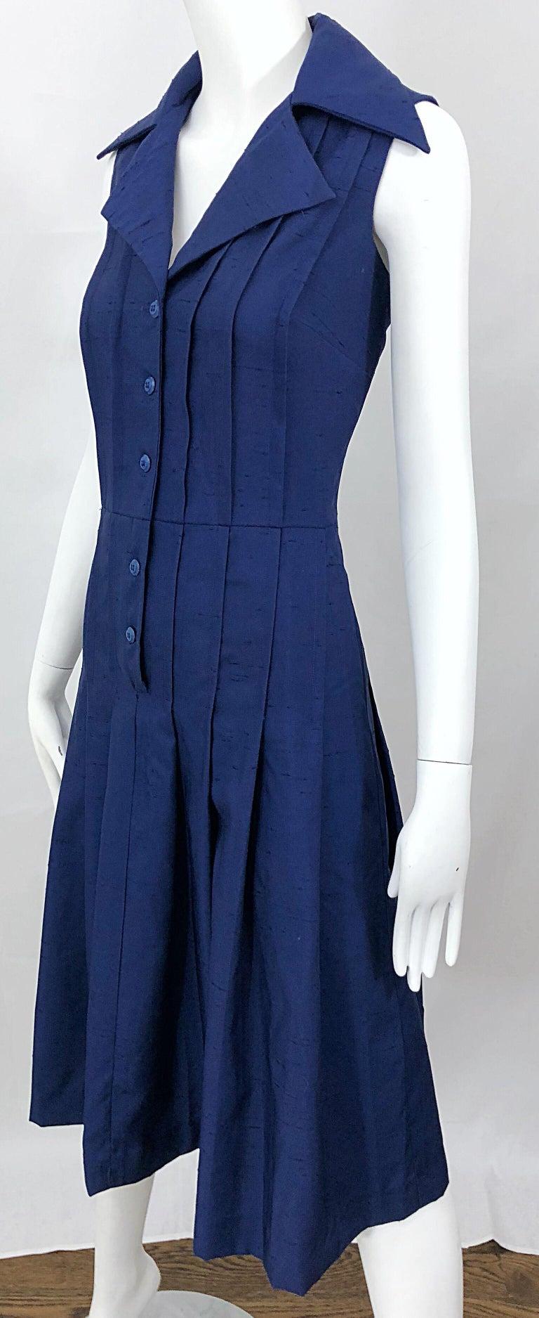1990s Saks 5th Avenue Size 10 Navy Blue Silk Vintage 90s Sleeveless Shirt Dress For Sale 3