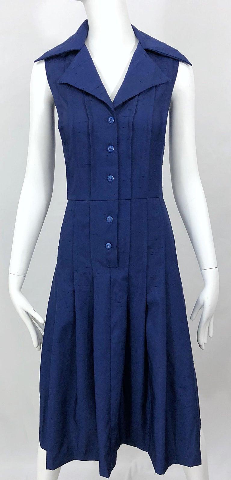 1990s Saks 5th Avenue Size 10 Navy Blue Silk Vintage 90s Sleeveless Shirt Dress For Sale 5