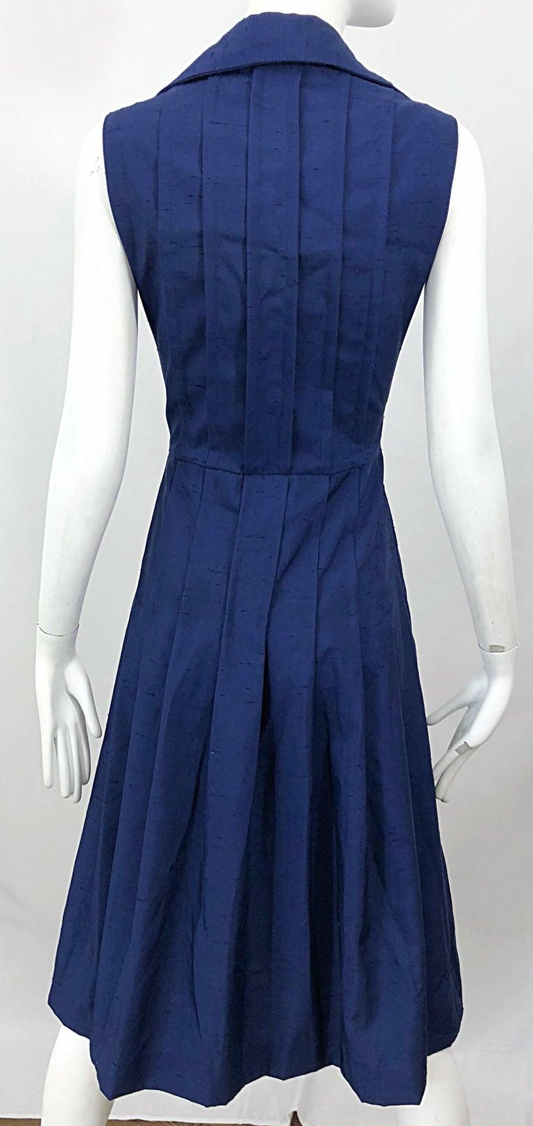 1990s Saks 5th Avenue Size 10 Navy Blue Silk Vintage 90s Sleeveless Shirt Dress For Sale 6