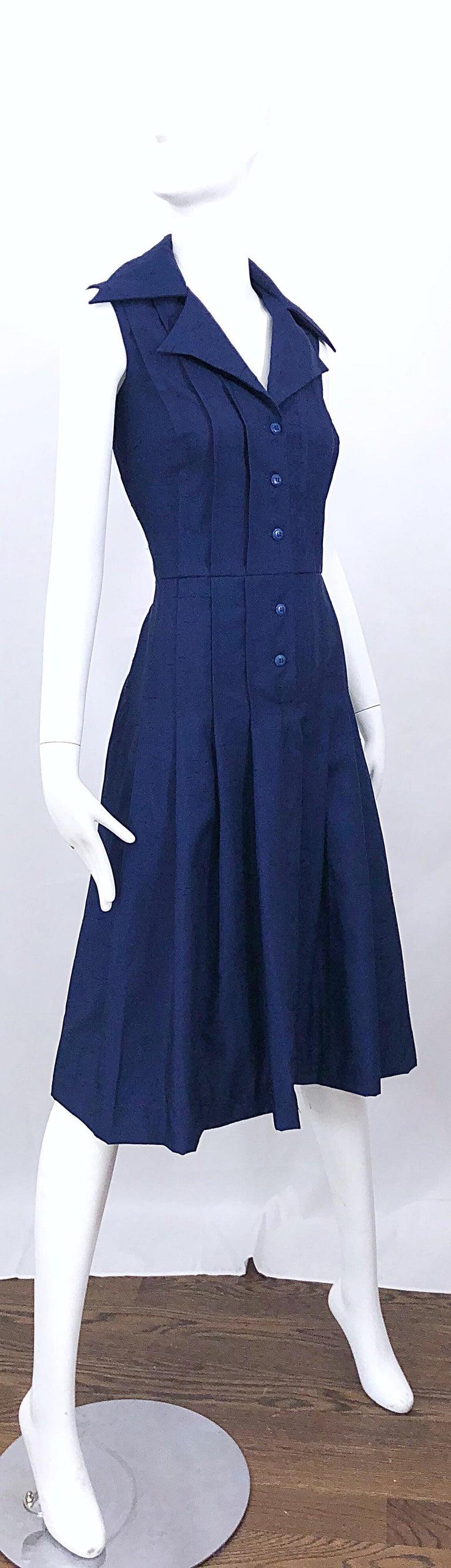 1990s Saks 5th Avenue Size 10 Navy Blue Silk Vintage 90s Sleeveless Shirt Dress For Sale 7