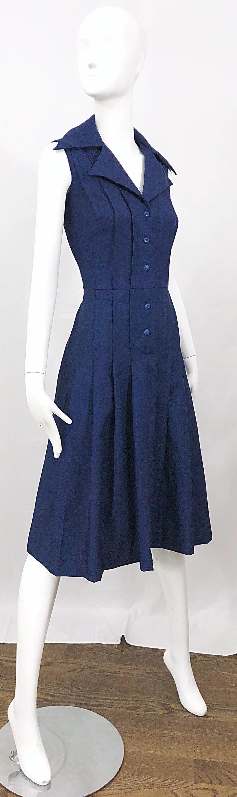 1990s Saks 5th Avenue Size 10 Navy Blue Silk Vintage 90s Sleeveless Shirt Dress For Sale 9