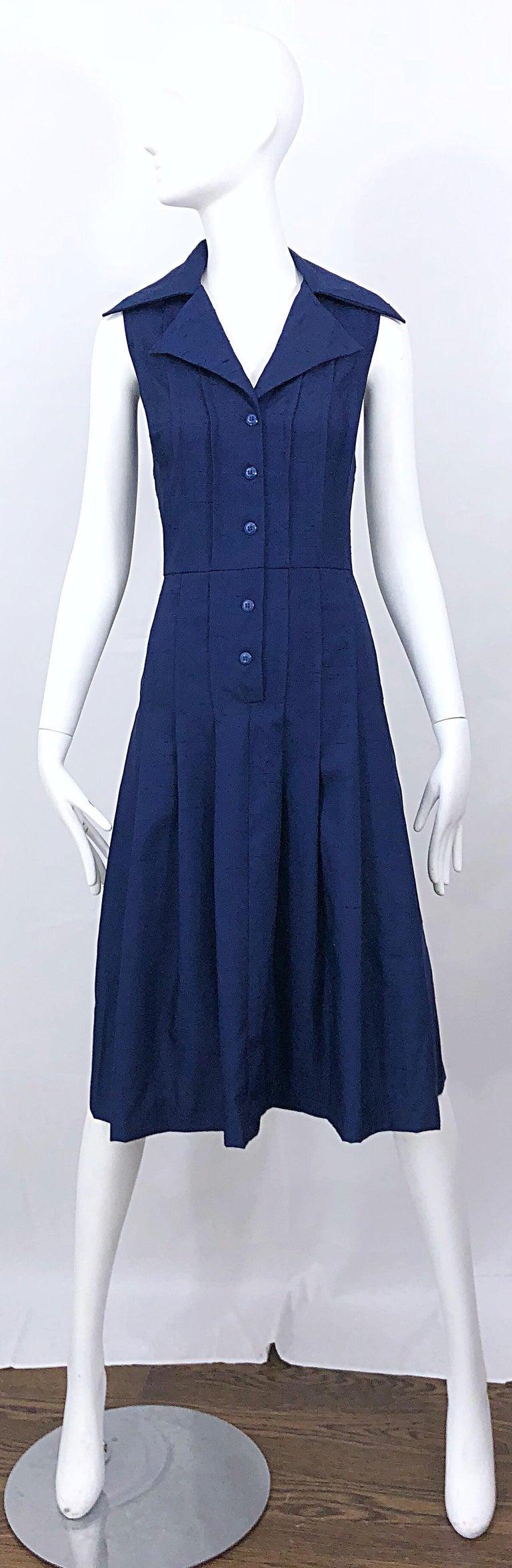1990s Saks 5th Avenue Size 10 Navy Blue Silk Vintage 90s Sleeveless Shirt Dress For Sale 12