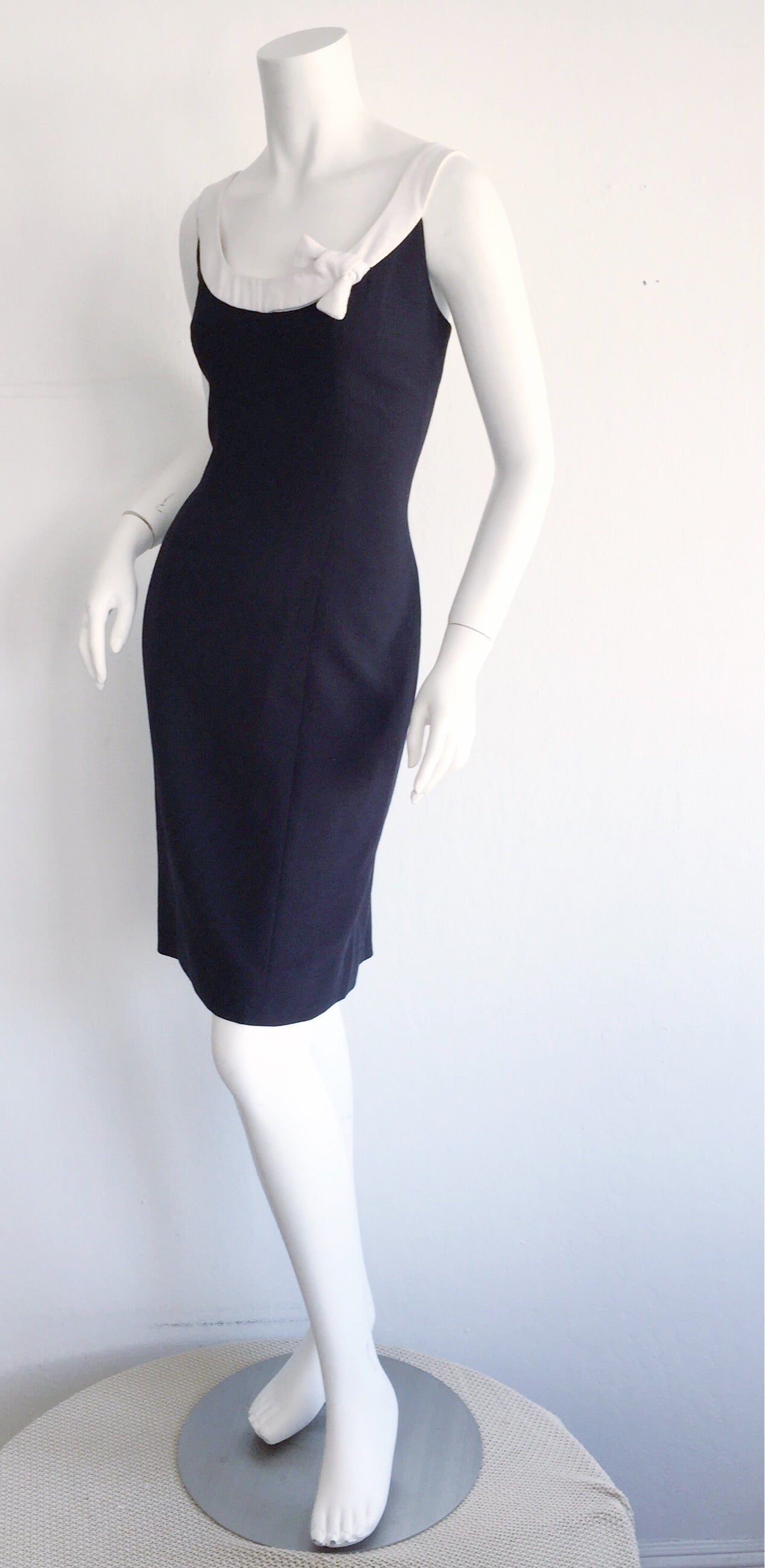 1990s Vintage Oscar de la Renta Navy Blue + White Nautical Bow Dress 4