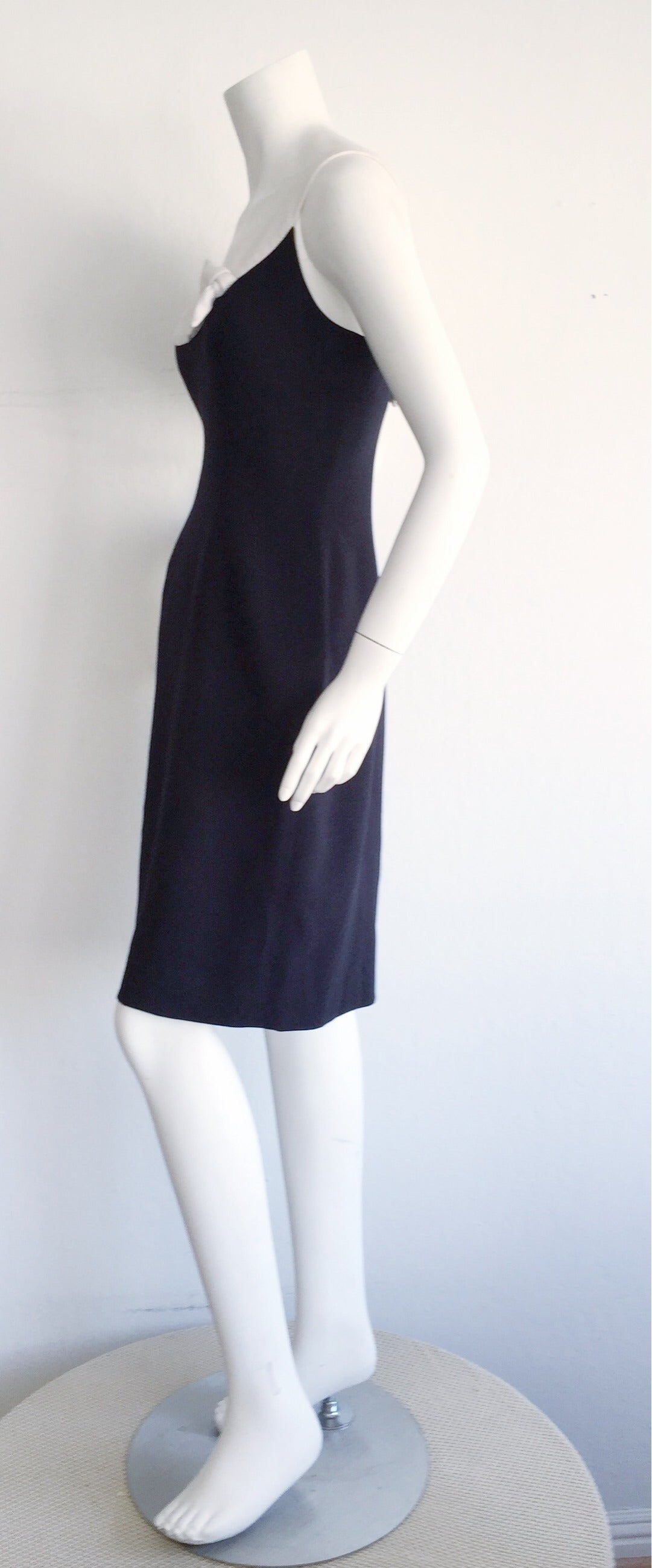 1990s Vintage Oscar de la Renta Navy Blue + White Nautical Bow Dress 7