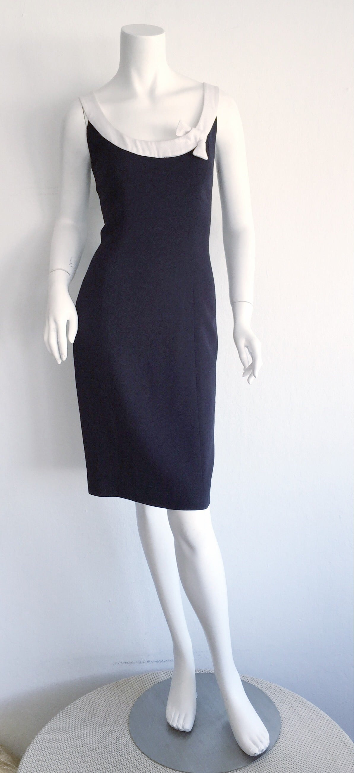 1990s Vintage Oscar de la Renta Navy Blue + White Nautical Bow Dress 2