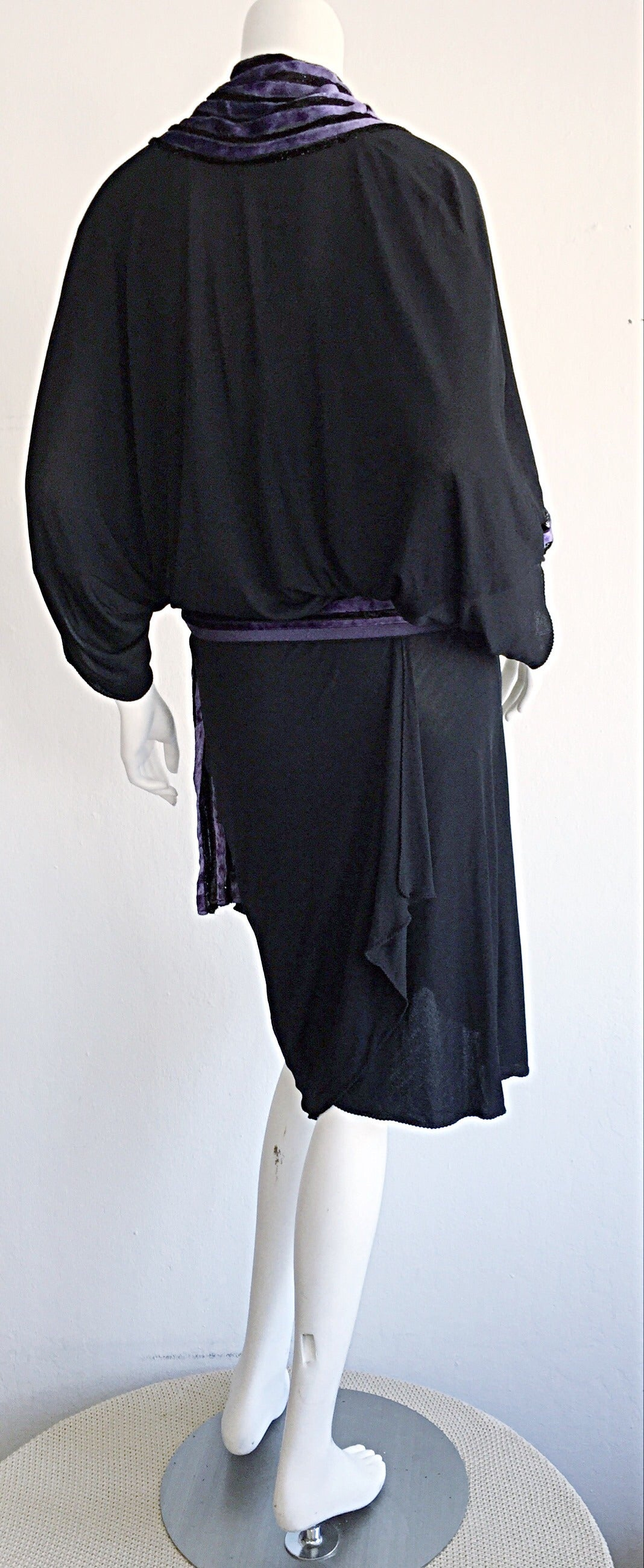 """Iconic Vintage Janice Wainwright Black Flapper Style """" Roaring 20s"""" Jersey Dress For Sale 2"""