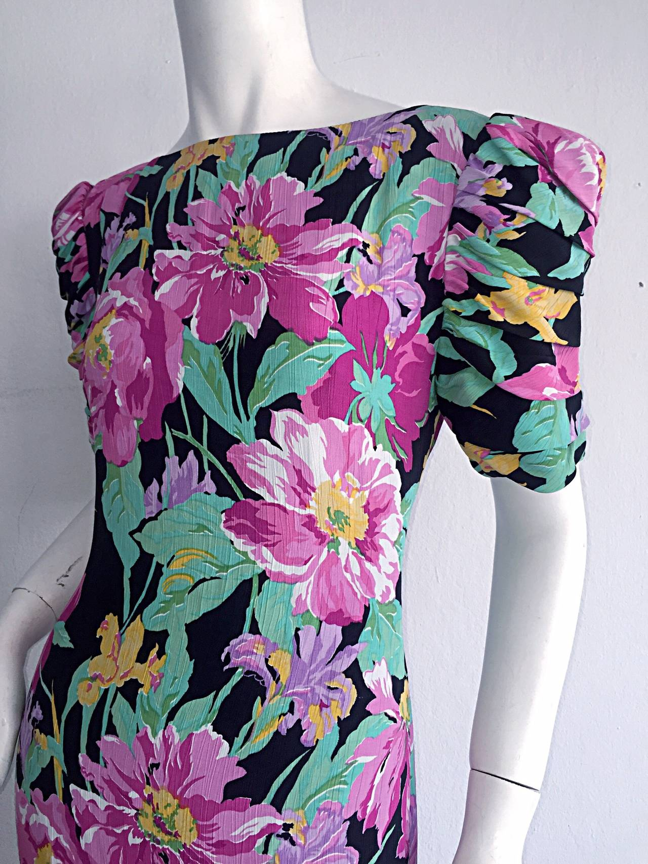 Wonderful Vintage Victor Costa Avant Garde ' Origami ' Silk Floral Dress 7