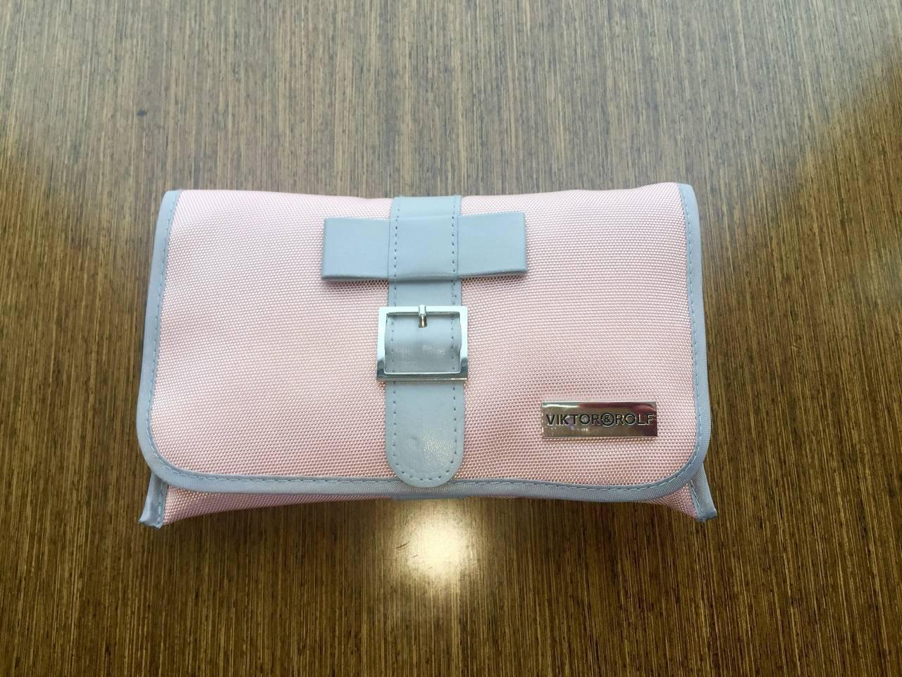viktor and rolf limited edition klm pink bow wristlet clutch purse for sale at 1stdibs. Black Bedroom Furniture Sets. Home Design Ideas