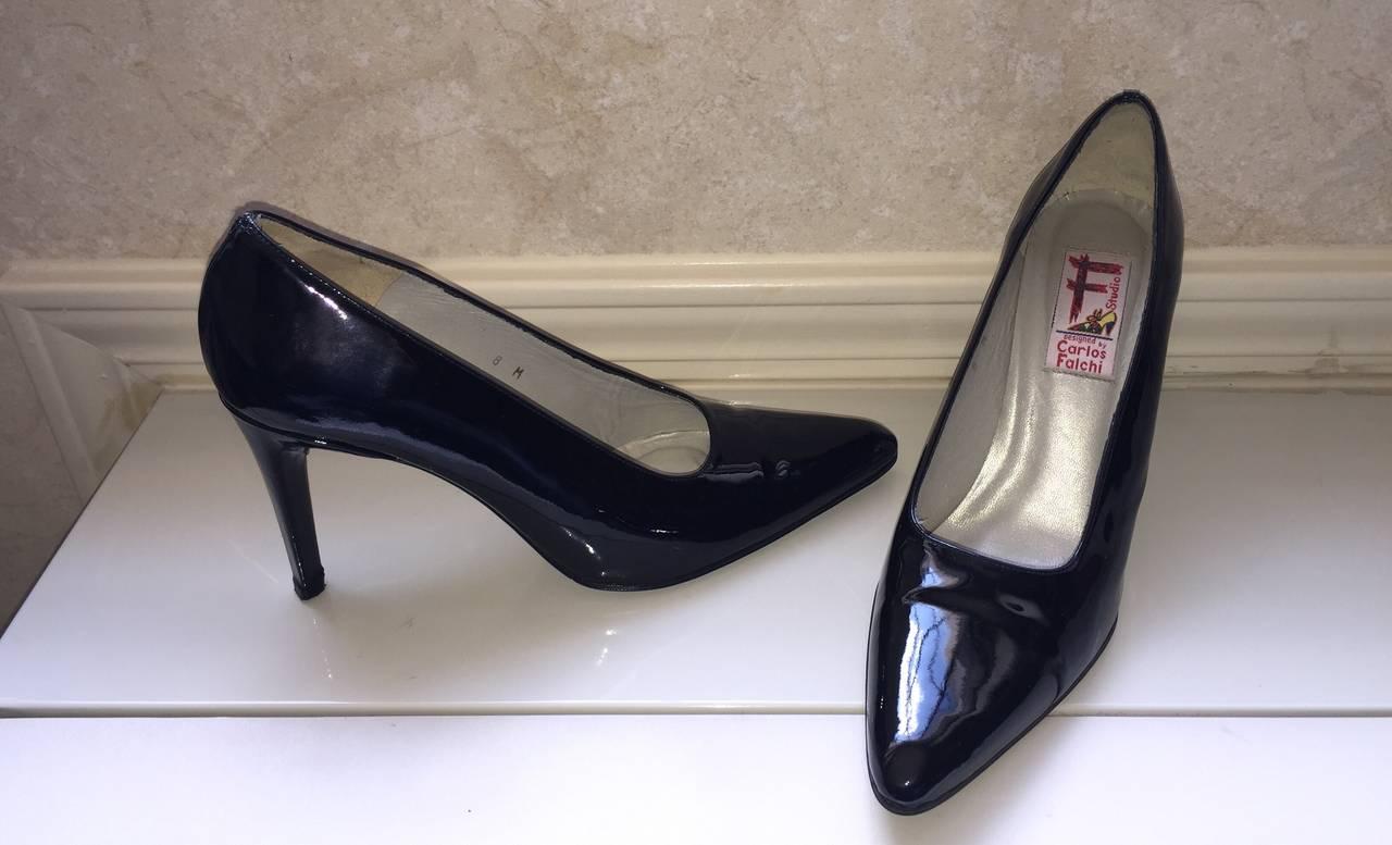 Vintage Carlos Falchi Classic Black Patent Leather Pumps / Heels / Shoes Size 8 For Sale 2