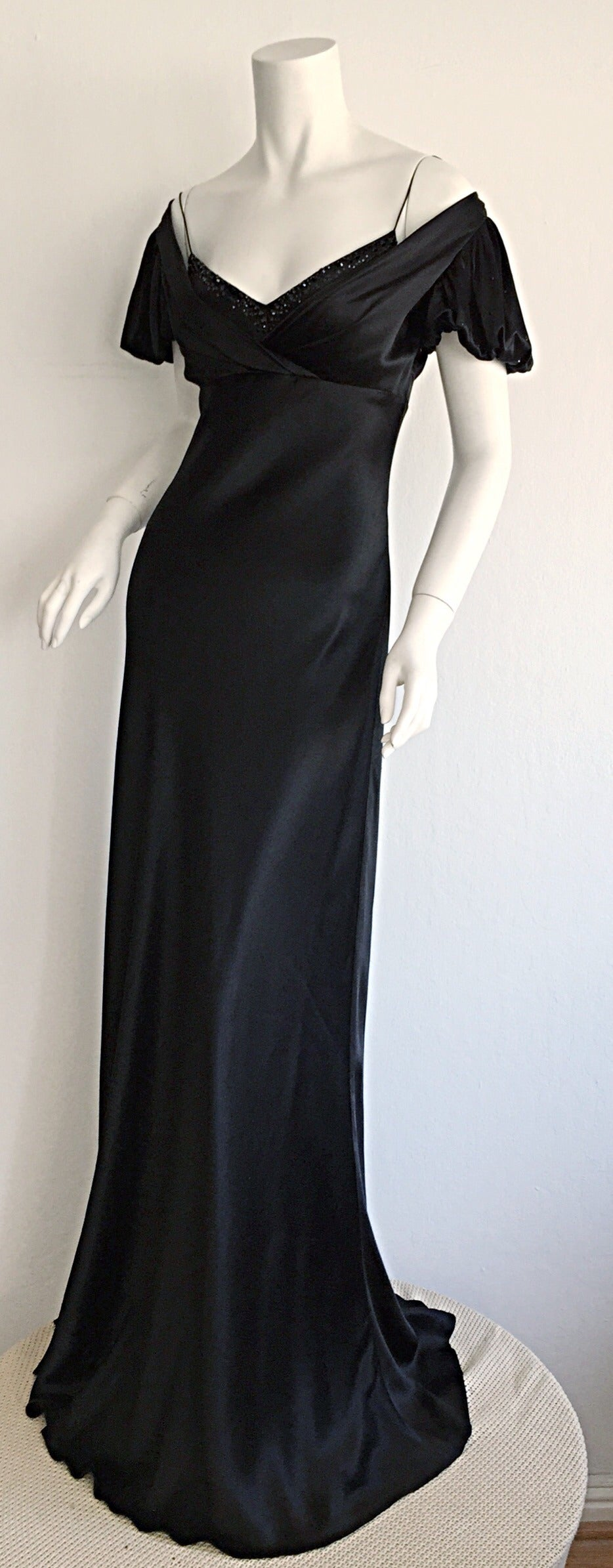 Stunning Jenny Packham 90s Vintage Black Silk Romantic ' Fluid ' Gown w/ Jewels For Sale 2