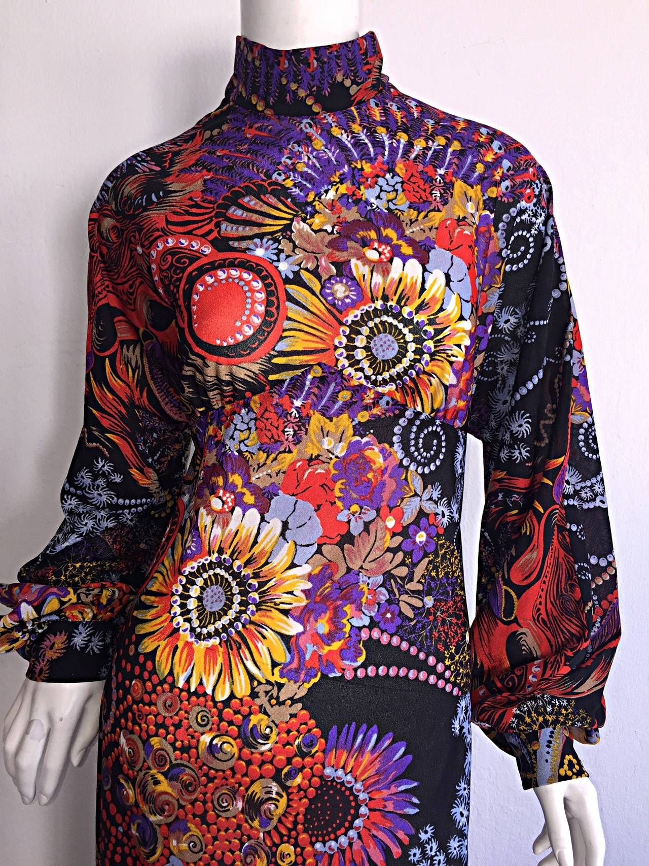 Incredible 1970s Daymor Couture Colorful Psychedelic Open - Back Asian Dress 3