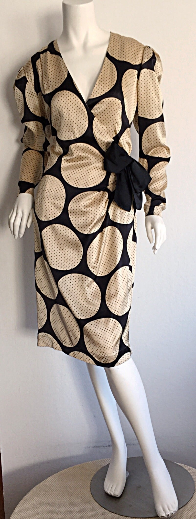 Stunning vintage Hanae Mori dress!!! 100% lined silk. Inside hook-and-eye closures. Great for the office, or a cocktail party! Fully lined. In great condition. Approximately Size Medium-Large Measurements: (Slight stretch) 38-41 inch bust Up to 32