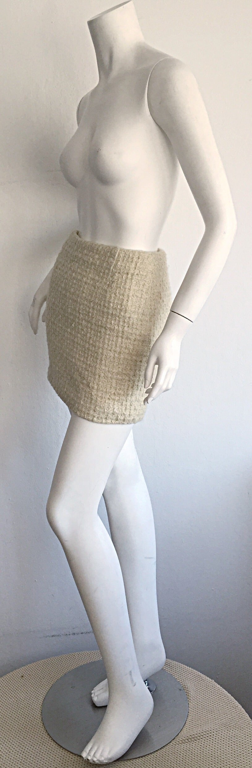 Beige Sexy 1990s Vintage Gianni Versace Couture Ivory Off - White Cashmere Mini Skirt For Sale
