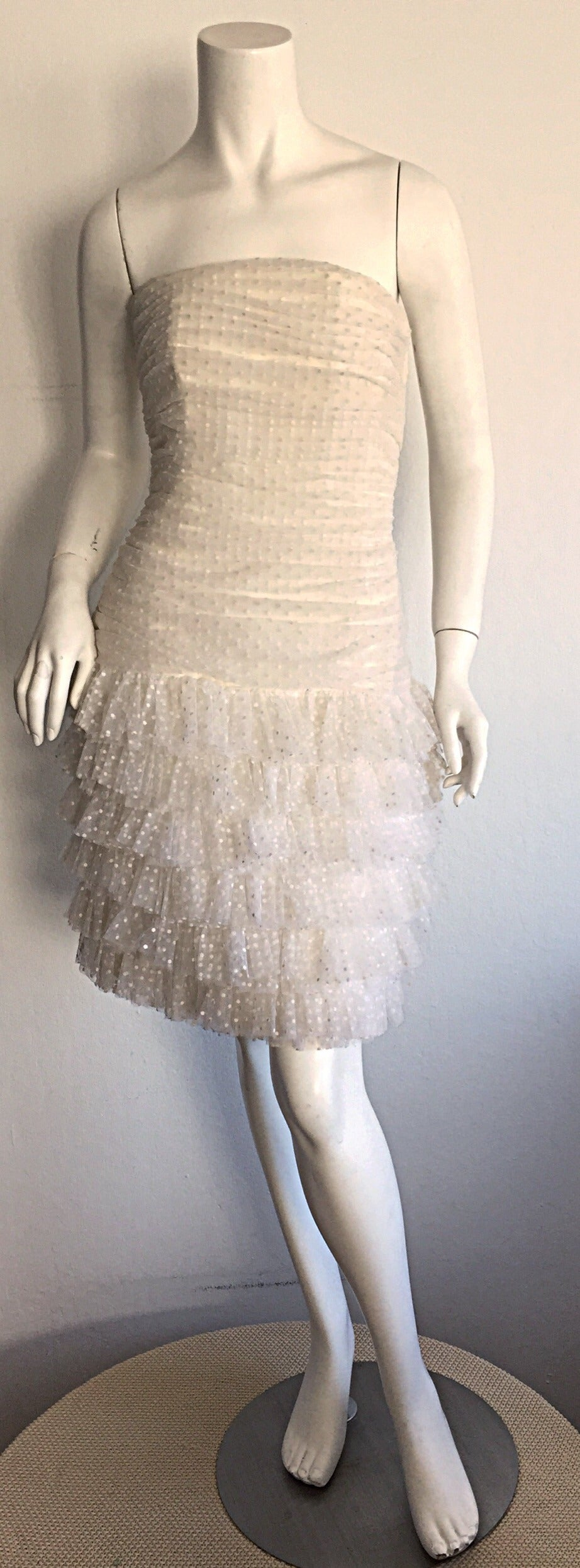 1990s Carolyne Roehm White Polka Dot ' Feathered ' Strapless Wedding Dress 2