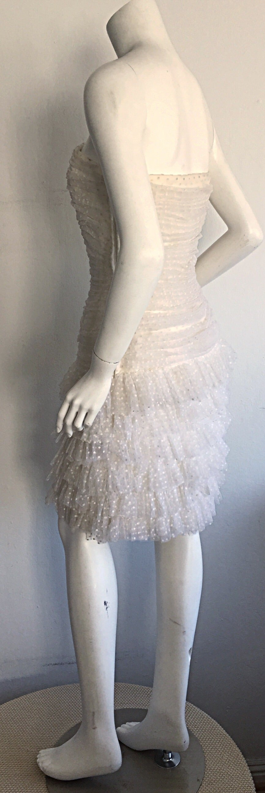 1990s Carolyne Roehm White Polka Dot ' Feathered ' Strapless Wedding Dress 7