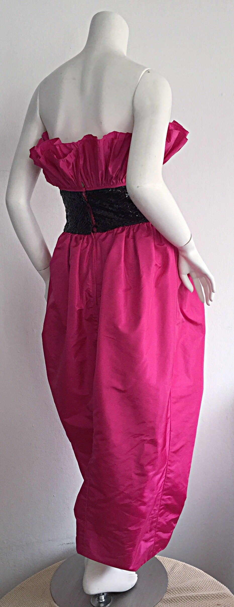 Incredible Vintage Victor Costa for Neiman Marcus Hot Pink Origami Tulip Dress In Excellent Condition For Sale In San Francisco, CA