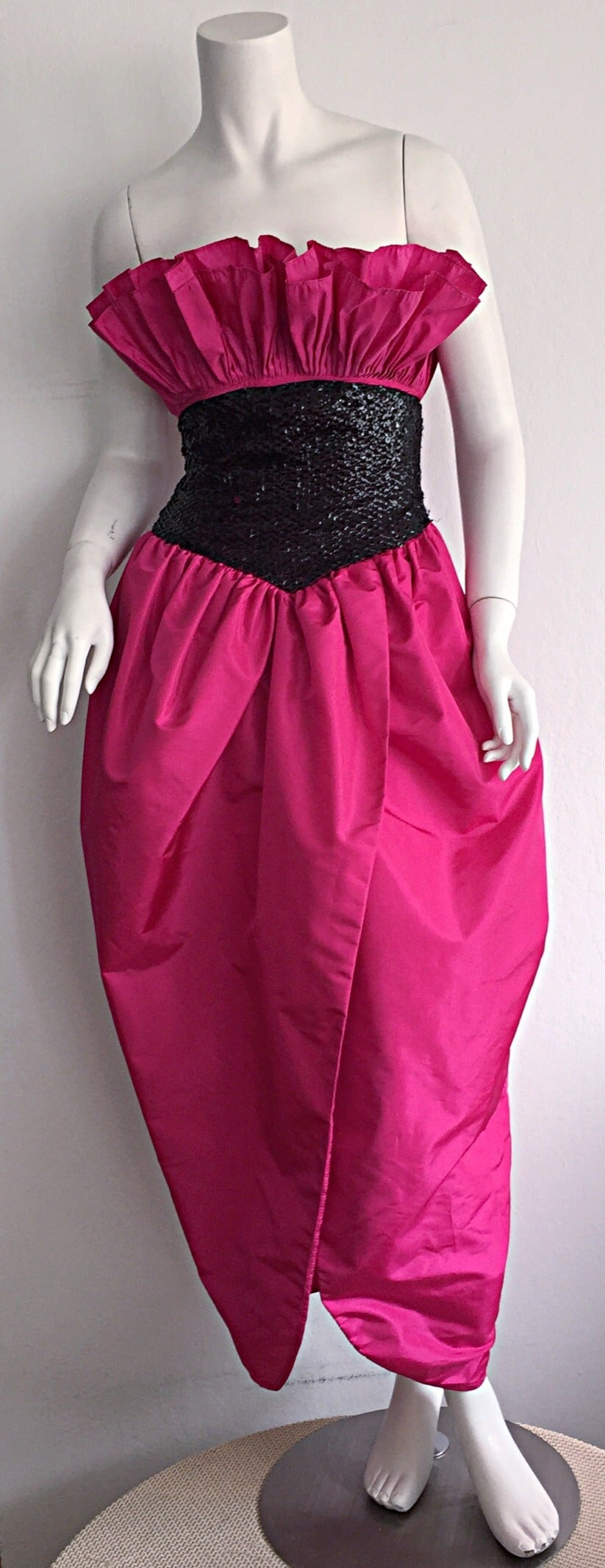 Women's Incredible Vintage Victor Costa for Neiman Marcus Hot Pink Origami Tulip Dress For Sale