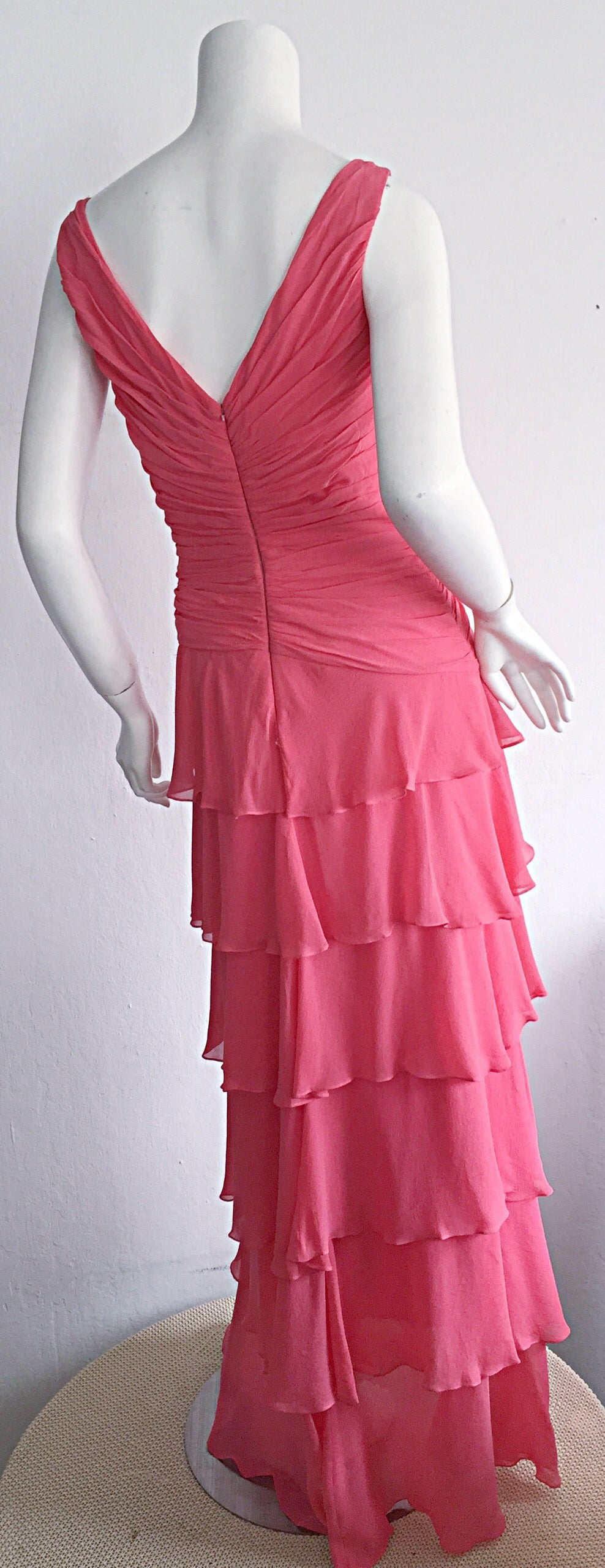 Beautiful 1990s Vintage Tadashi Shoji Pink Silk Chiffon Tiered Dress For Sale 2