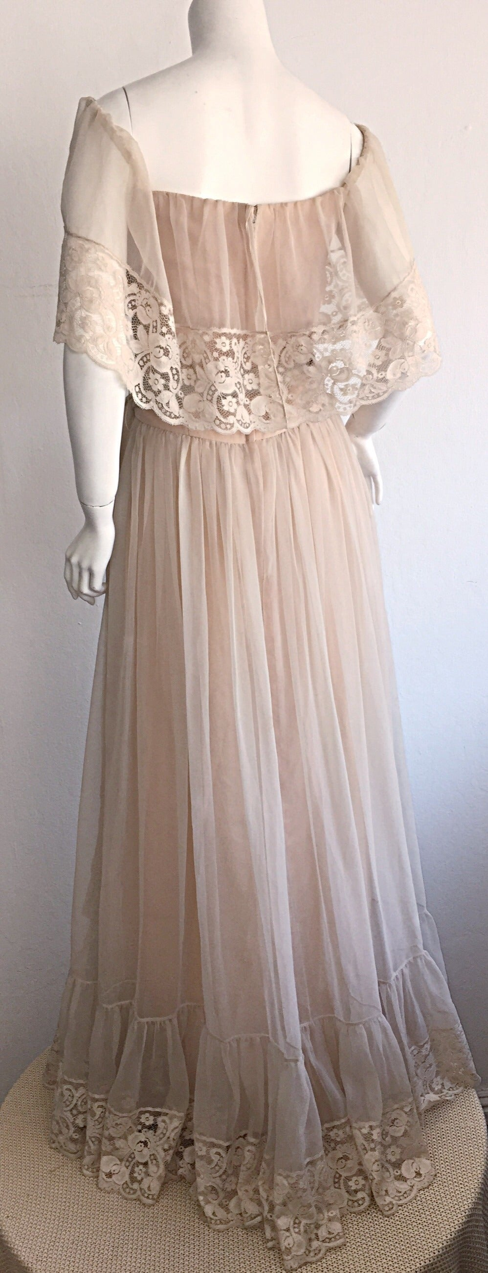 Beautiful Ethereal Vintage Victor Costa Cream Lace Bohemian Wedding Dress / Gown For Sale 1