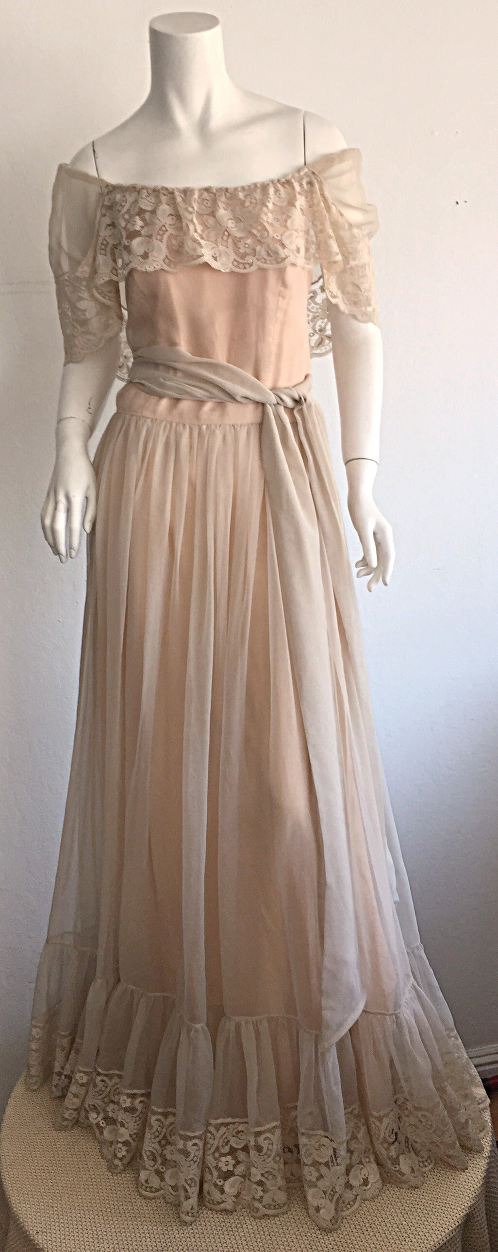 Beautiful Ethereal Vintage Victor Costa Cream Lace Bohemian Wedding Dress / Gown For Sale 2