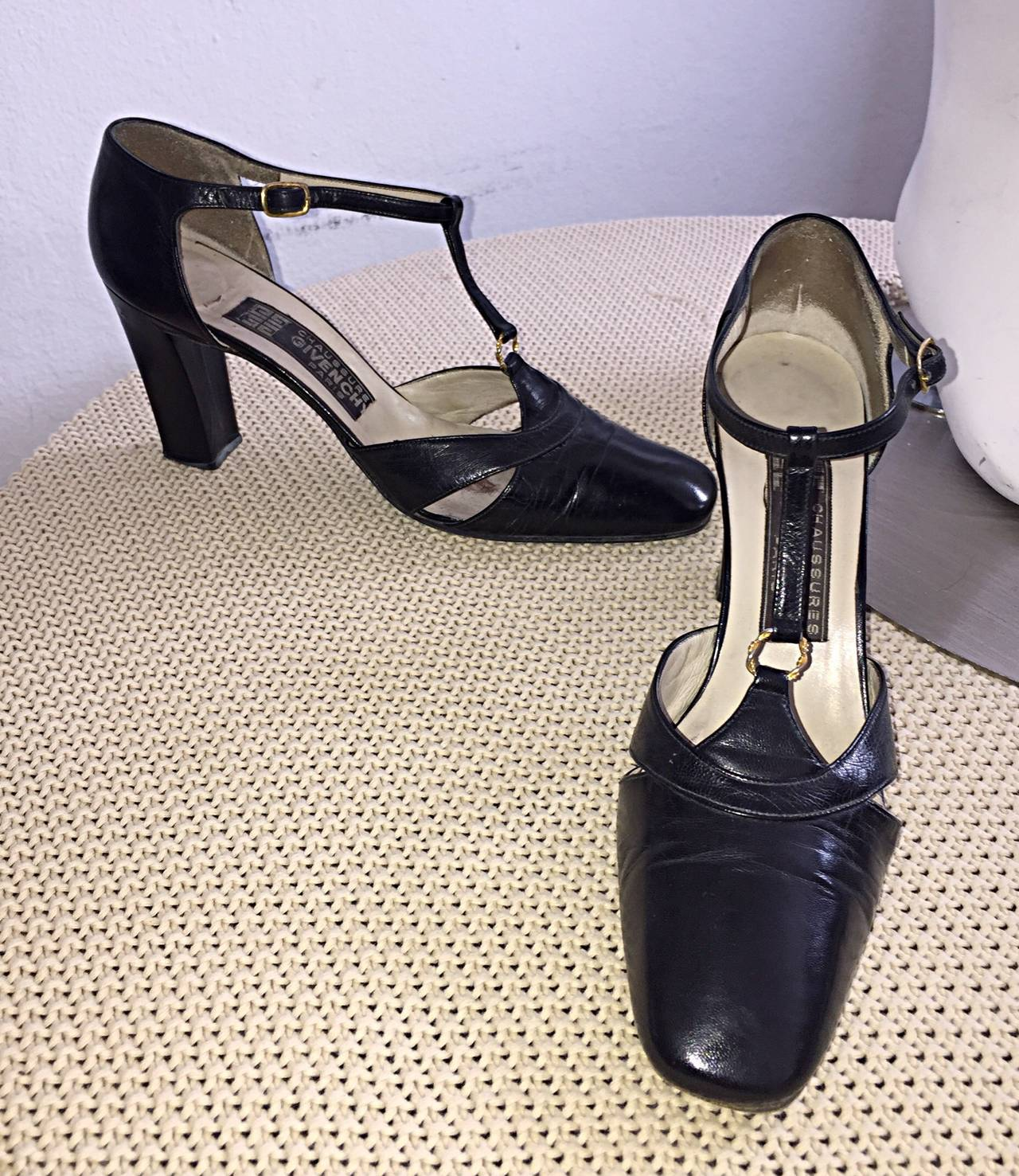 1960s Vintage Givenchy Black Leather Peekaboo T - Strap Heels Shoes Size 8 2