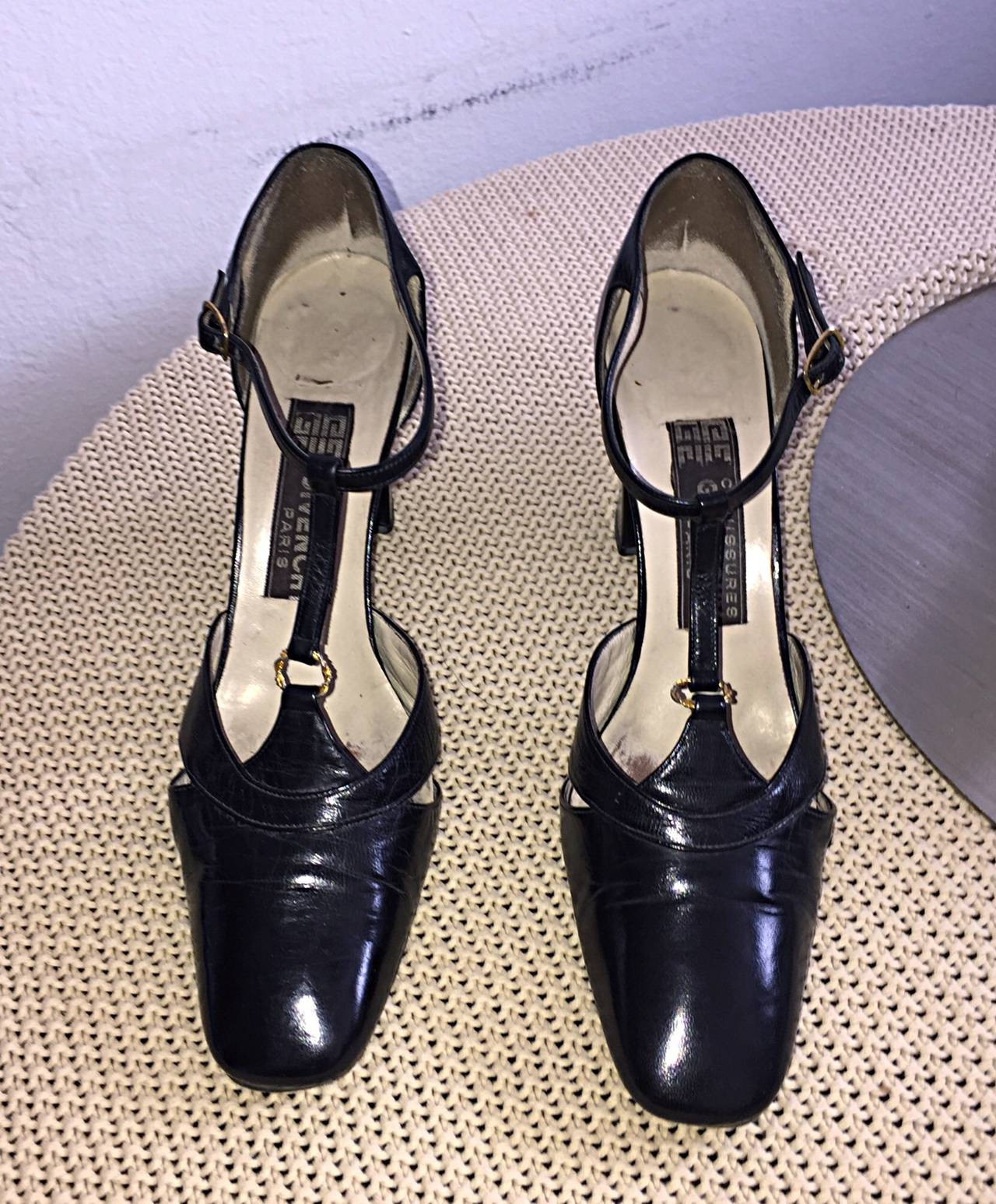 1960s Vintage Givenchy Black Leather Peekaboo T - Strap Heels Shoes Size 8 4