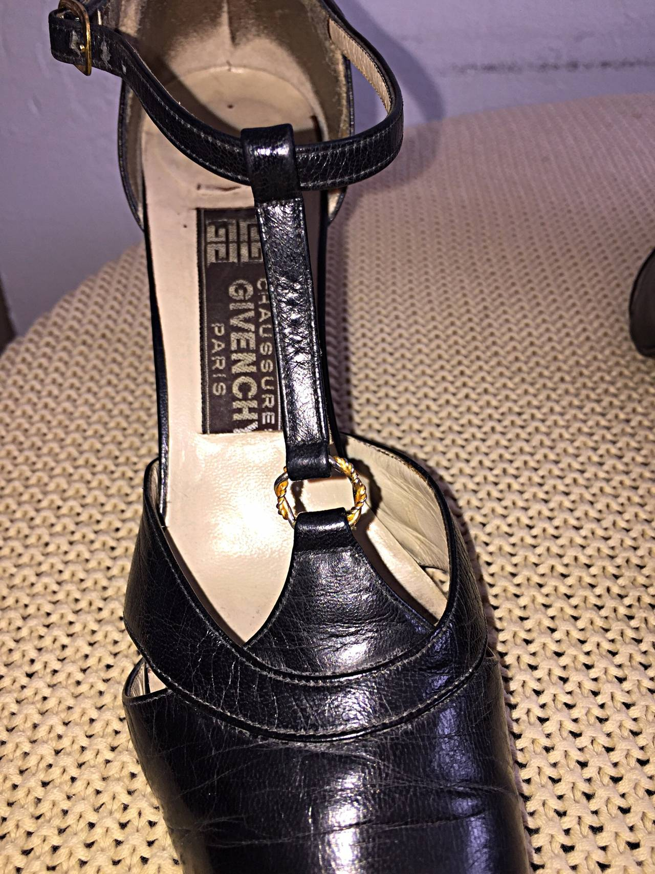 1960s Vintage Givenchy Black Leather Peekaboo T - Strap Heels Shoes Size 8 6