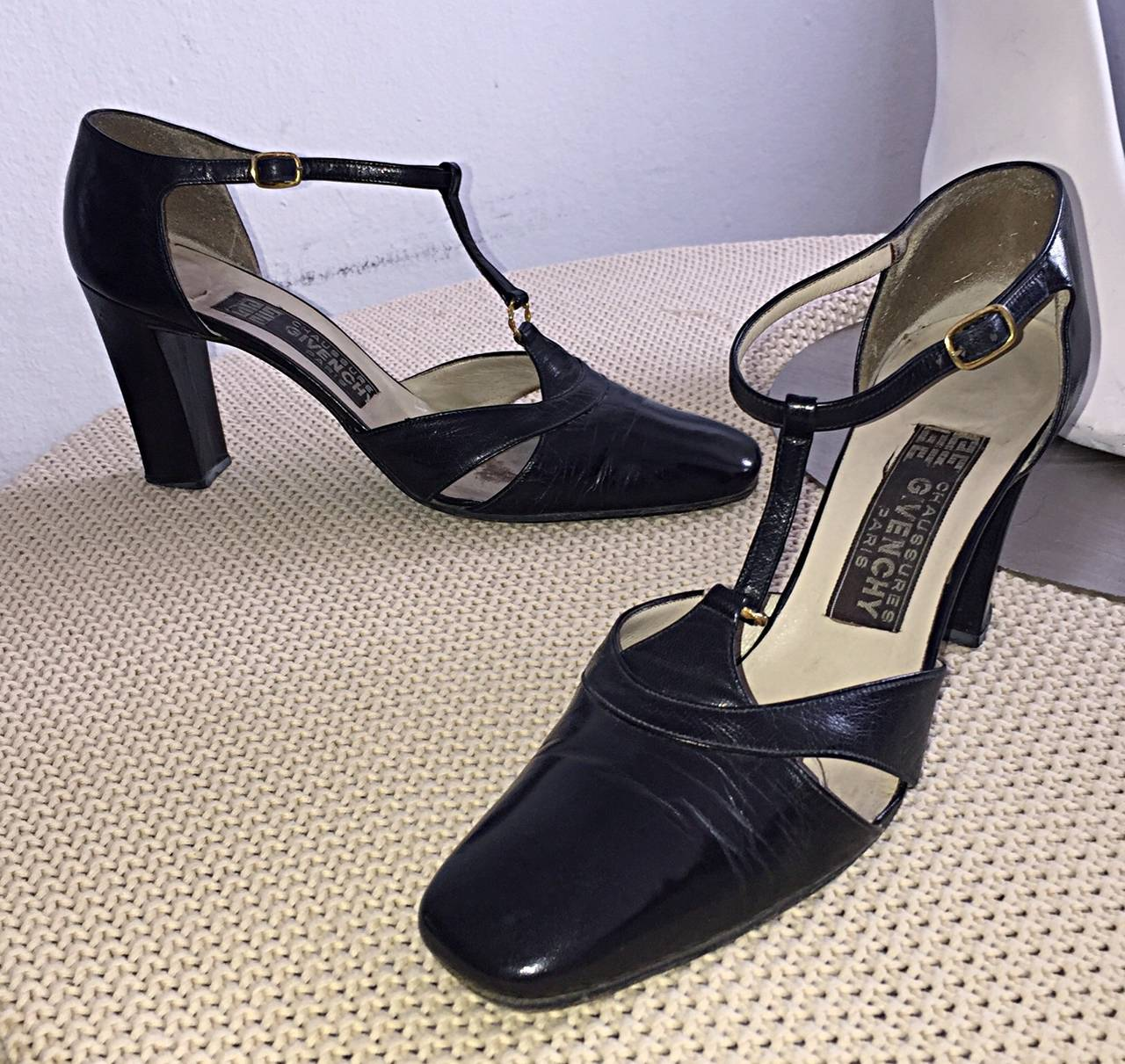 1960s Vintage Givenchy Black Leather Peekaboo T - Strap Heels Shoes Size 8 7