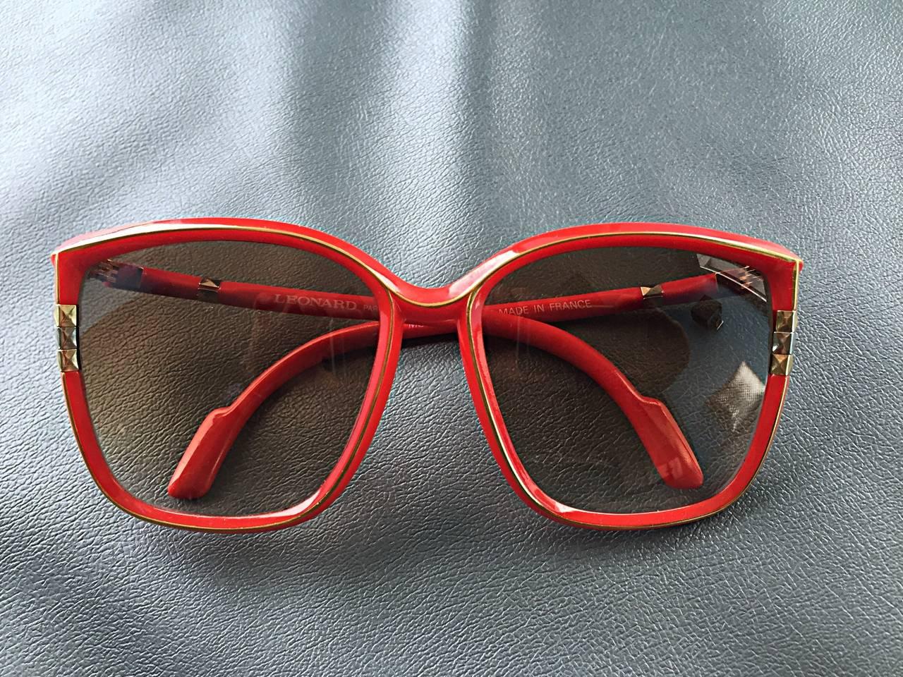 1970s Leonard Vintage Red Cat Eye Oversized Runway Sunglasses / Glasses 4