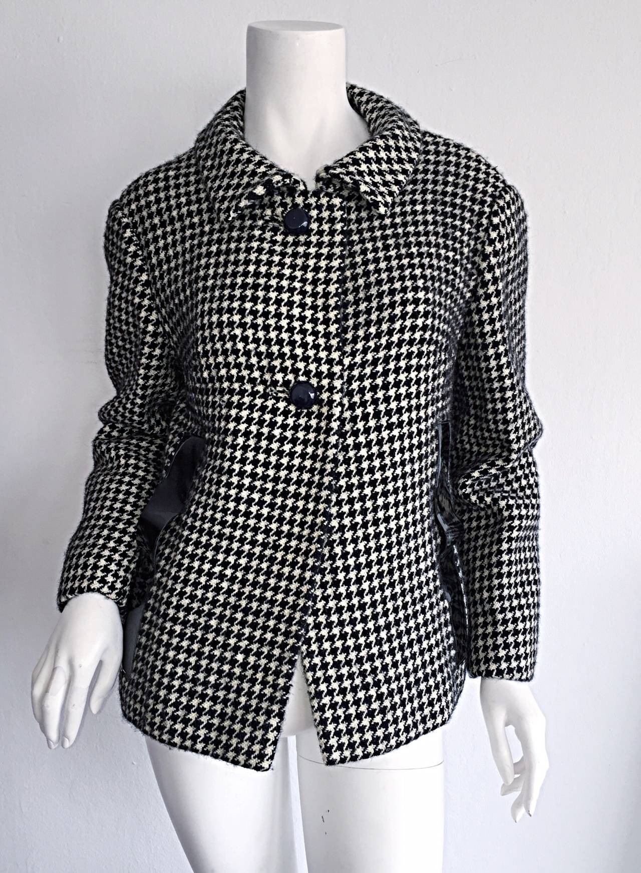 1960s Pierre Cardin Black + White Houndstooth Space Age Jacket In Excellent Condition For Sale In Chicago, IL